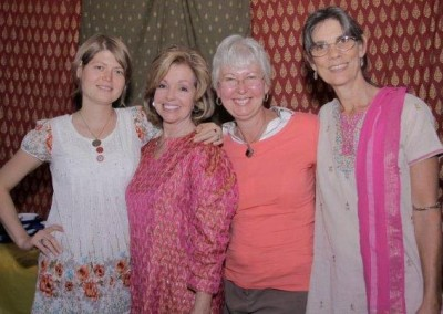 ladies-at-kirtan